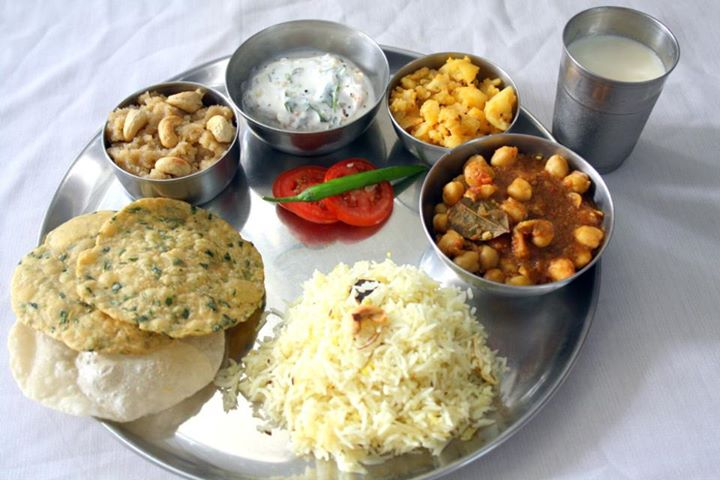 Sambar Dal, Chilly Paneer or Patiala Chicken with Rice and 2 Rotis